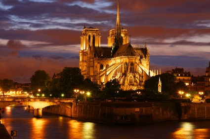 Paris Tours Paris Night Bike Tour France Toursales Com