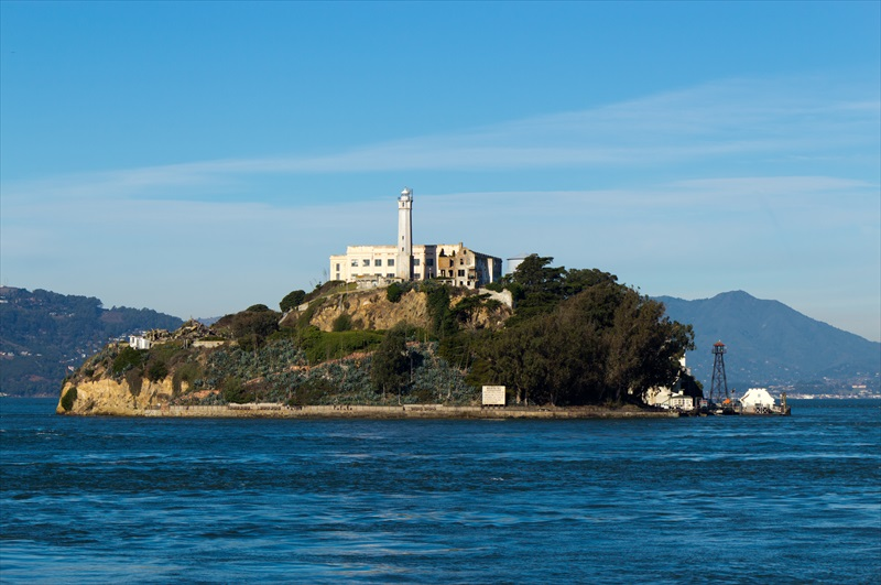 a brief look at the history of the alcatraz island in san francisco bay area