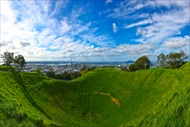 Auckland | New Zealand | Auckland bus tour Auckland Hop On - Hop Off tour Sky tower tour Bastion Point tour