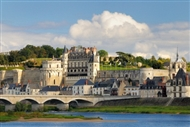Paris | France | Paris tour Loire Valley tour Chambord tour Cheverny tour Chenonceau tour castles tour